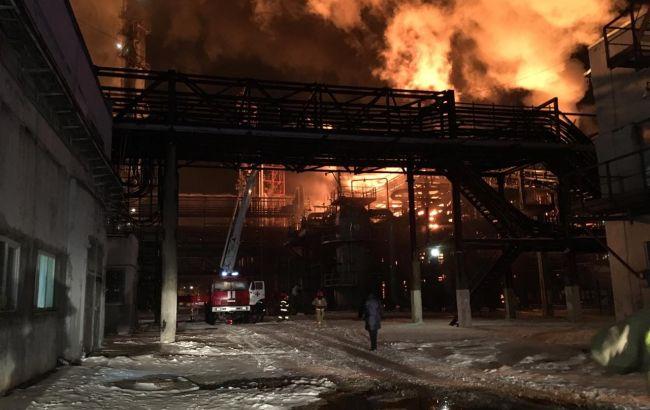 У Калуші горить завод з переробки нафтопродуктів