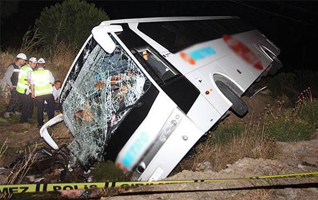 В Турции в результате ДТП с автобусом пострадали 45 человек