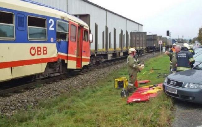Фото: авария поезда в Австрии