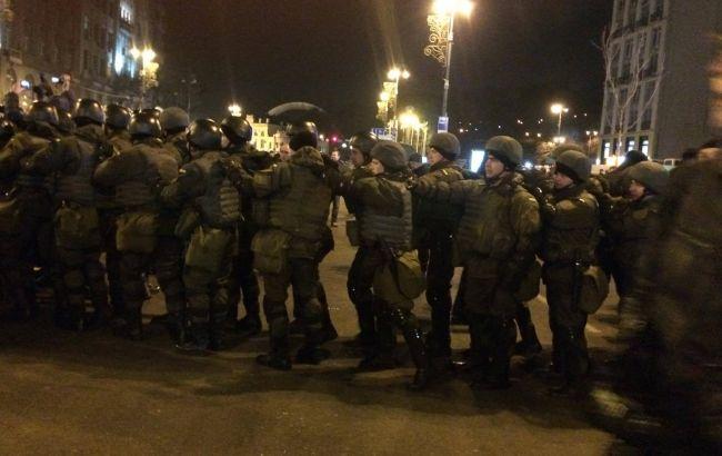 """На Майдані відбулися сутички між представниками """"Правого сектора"""" і поліцією"""