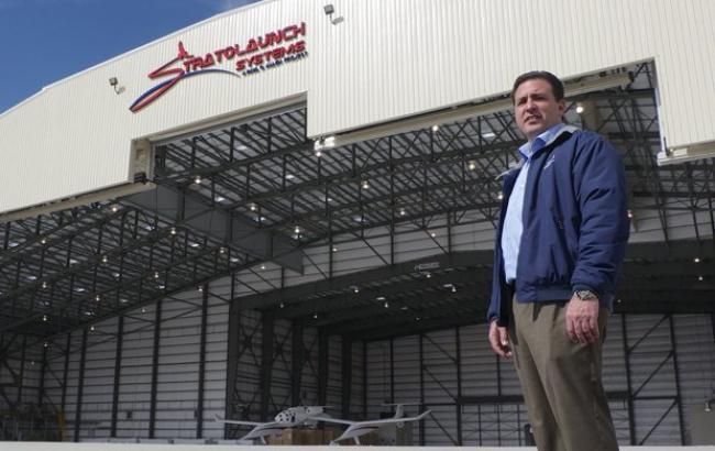 У США створено найбільший у світі літак для запуску космічних ракет