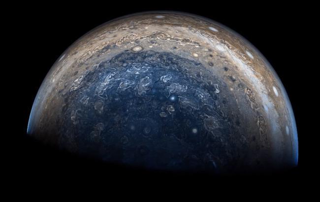 В сети появилось впечатляющее видео ураганов на Юпитере