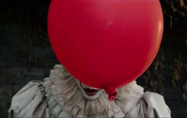 """У Пітері клоуни вимагають заборонити фільм """"Воно"""""""