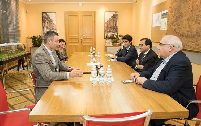 Фото: встреча Виталия Кличко, Анджея Поравски и Кристофа Шаю (kiev.klichko.org)