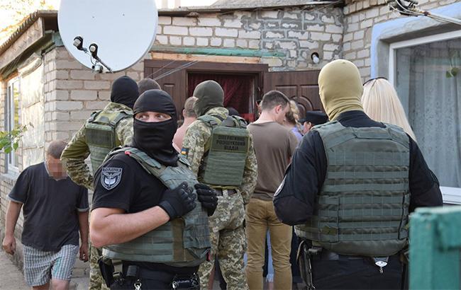 Полиция закрыла канал торговли людьми из Донецкой области