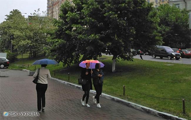 Фото: дождь в Киеве (РБК-Украина)