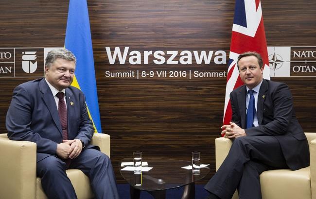 Фото: Петро Порошенко зустрівся з Девідом Кемероном