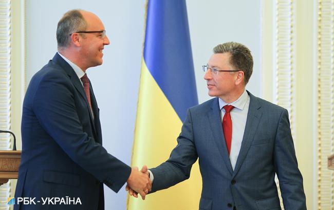 Фото: Андрей Парубий и Курт Волкер (РБК-Украина)