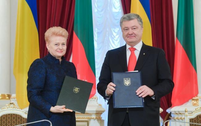 Порошенко подписал с президентом Литвы документ о партнерстве до 2020 года