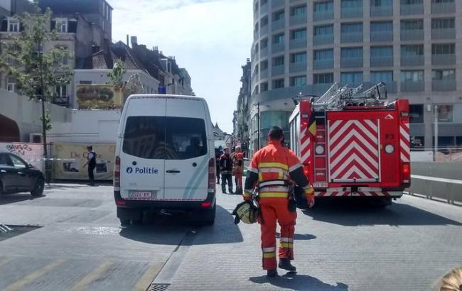 Фото: у Брюсселі поліція проводить спецоперацію через повідомлення про бомбу
