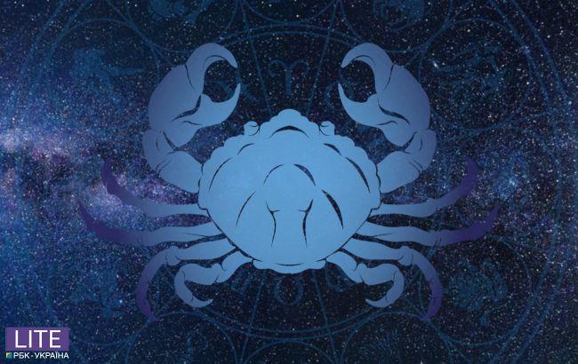 Гороскоп на май для Рака: астролог предупредила об опасностях и рисках