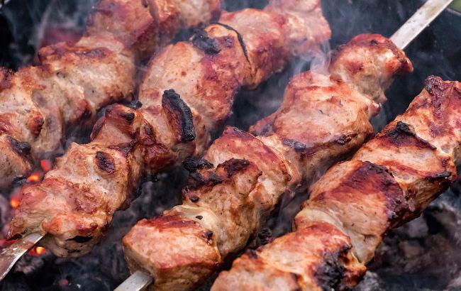 З якого м'яса шашлик самий шкідливий для здоров'я: експерти дали відповідь