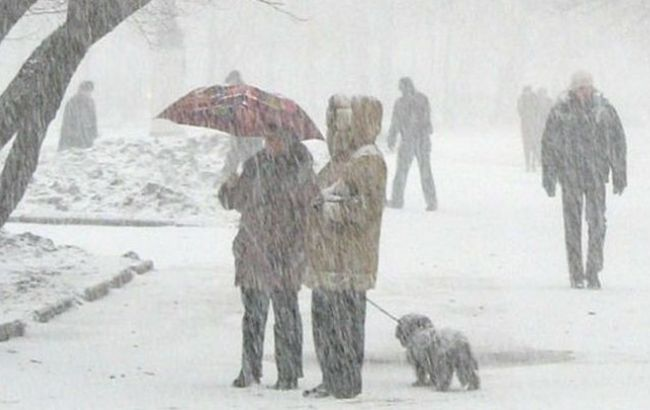 Фото: в Україні очікуються сильні снігопади