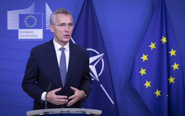 Россия самоутверждается, используя военную мощь против Украины и Грузии, - Столтенберг