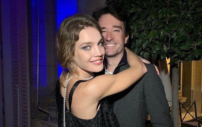 Безупречная пара: Наталья Водянова появилась в Монако в роскошном платье и под руку с любимым