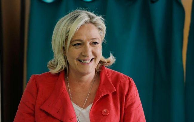 Французы любят ЛеПен больше, чем Фийона— Опрос