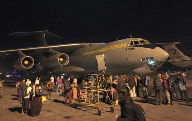 Фото: самолет Ил-76