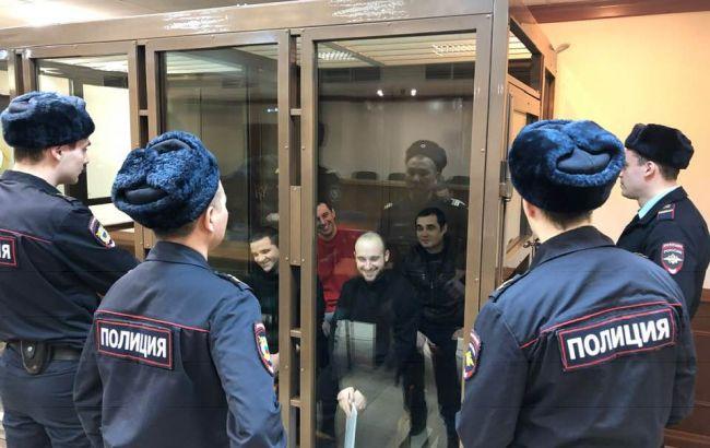 Суд в РФ зняв з розгляду апеляції на арешт чотирьох українських моряків