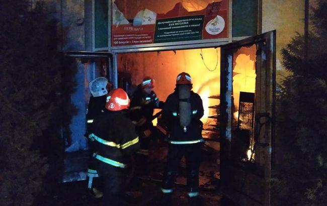 Пожежу біля автовокзалу у Полтаві загасили