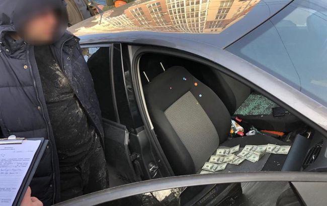 Поліція з початку лютого викрила у хабарництві 34 чиновника