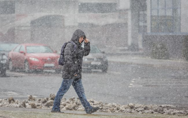 Фото: сьогодні очікуються сильні пориви вітру