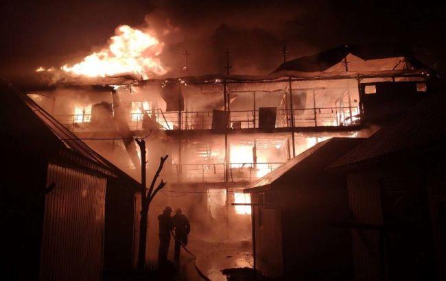 В Затоке горели базы отдыха