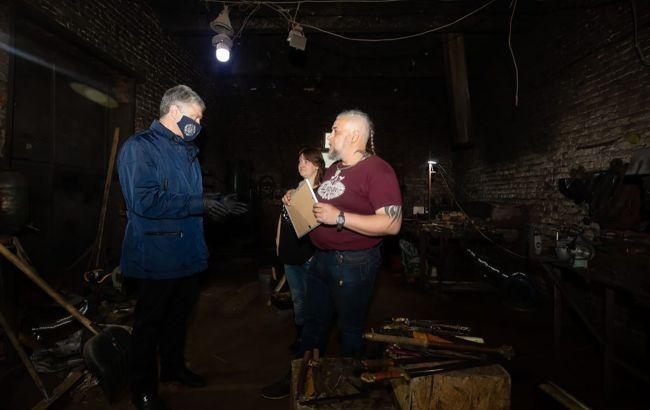Наводнения на Прикарпатье: Порошенко передал помощь семье военного моряка Ейдера