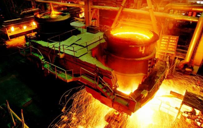 Фото: виробництво сталі в Україні знизилося