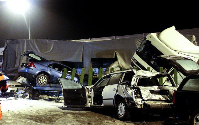 Вцентре Польши случилось ДТП сучастием неменее 60 авто