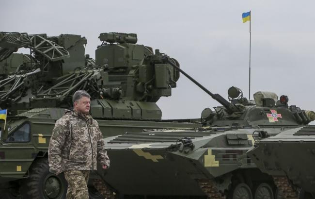 Фото: Петро Порошенко через 2,5 роки визнав війну на Донбасі
