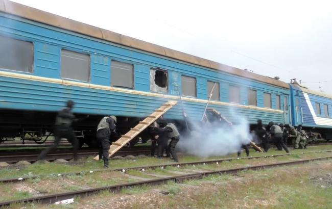 Кадр из видео YouTube.com/Відділ Комунікації ГУНП в Донецькій області