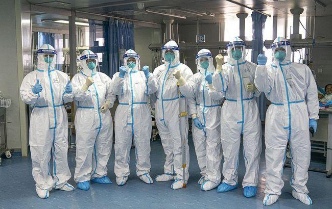Китай назвав терміни закінчення поширення коронавірусу у світі