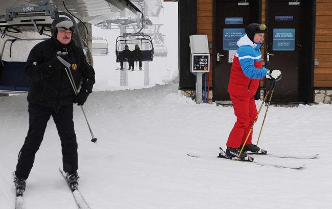 Вакцини, економіка і стратегічне партнерство: про що говорили Путін з Лукашенком, катаючись на лижах