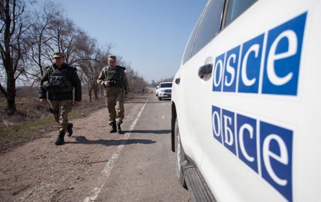 Фото: в МВД прокомментировали взрыв автомобиля ОБСЕ на Донбассе