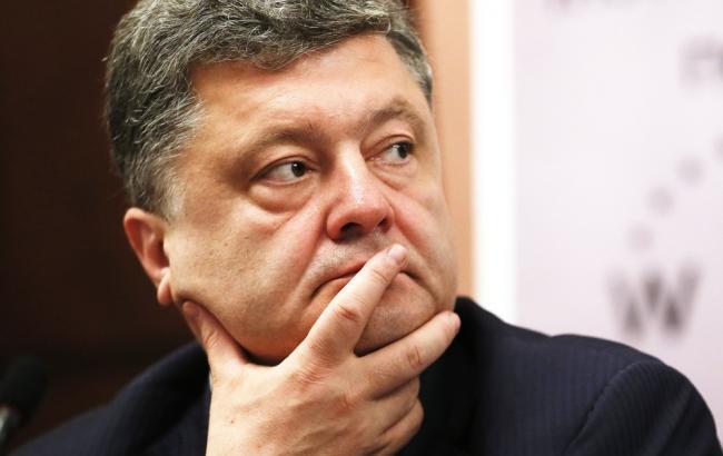 Порошенко хоче залучити позакоаліційні фракції до роботи Конституційній комісії