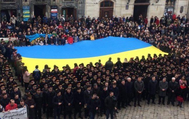 Более тысячи львовян спели Гимн Украины