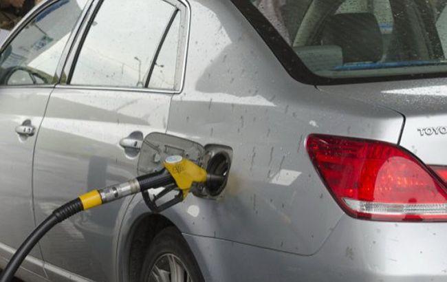 На АЗС у Києві продовжує дорожчати автомобільний газ