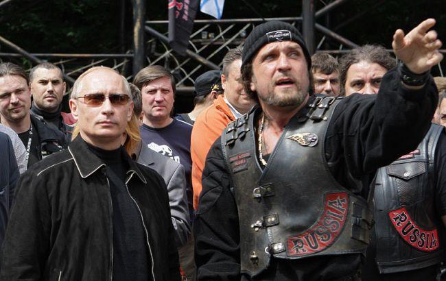 """Путінським """"Нічним вовкам"""" віддають в оренду 227 га землі в Севастополі"""