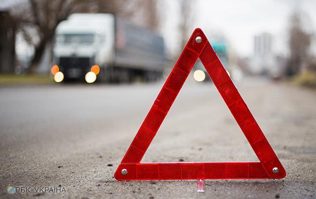 У Харкові водія викинуло з розірваного на шматки авто (відео)