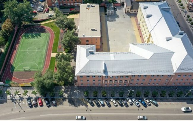 У Дніпрі після реконструкції відкрилась найстаріша гімназія міста