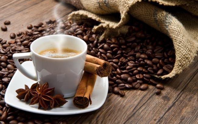 Ученые: 3-5 чашек кофе в день уберегут от диабета и суицида
