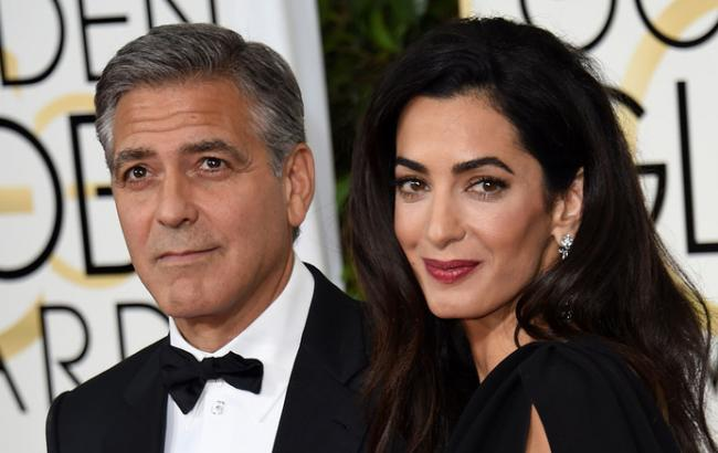 Фото: Джордж Клуни и его жена Амаль (hochu.ua)