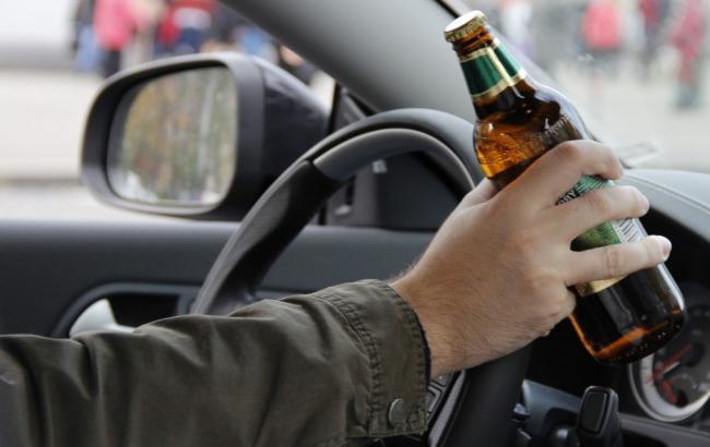 Фото: Пьяный за рулем (dpchas.com.ua)