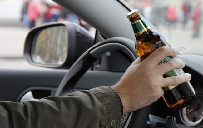 Фото: Пьяный водитель (dpchas.com.ua)