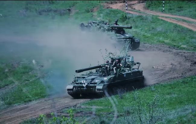 У мережі показали навчання українських артилеристів в зоні АТО