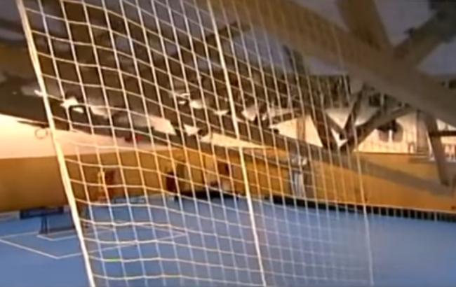 ВЧехии впроцессе матча пофлорболу обвалился потолок спортивной арены