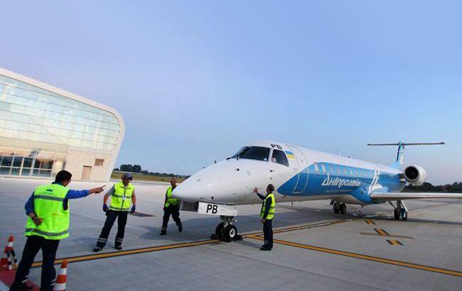 """Авіакомпанія """"Дніпроавіа"""" ризикує повторити долю збанкрутілого """"АероСвіту"""""""