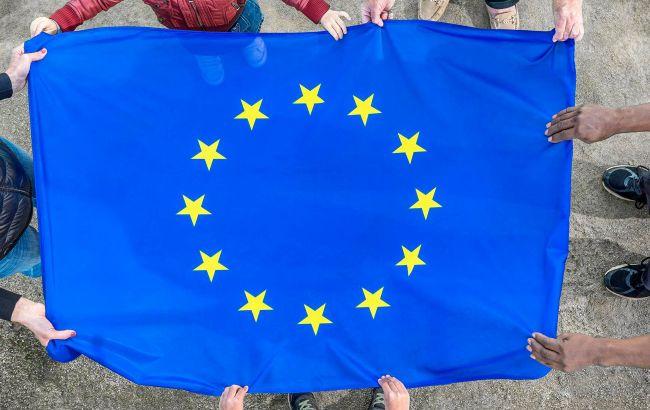 ЕС разрешил открыть границы для некоторых категорий украинцев: список