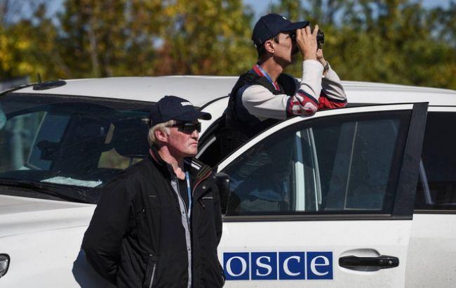 Фото: наблюдателей ОБСЕ просят называть ответственных за обстрелы