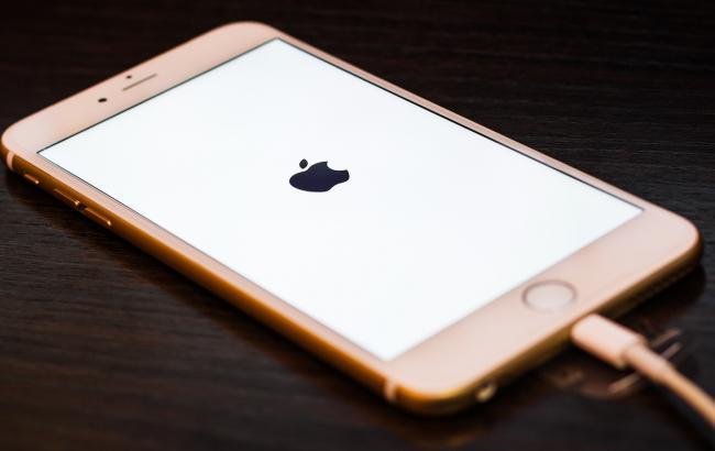 Фото: Смартфон от Apple (joinfo.ua)